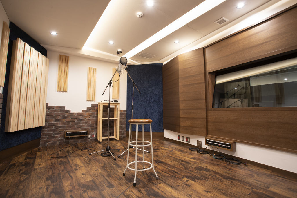 version studio_booth.jpg