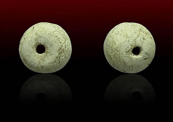 龍普嬌(瓦拉罕萊)252x年金納曼尼和古曼經粉合製的符珠