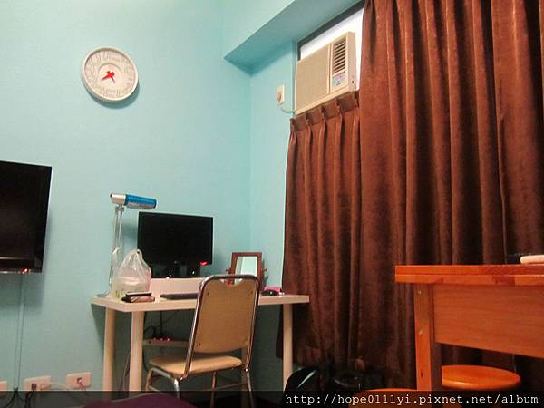 雖然房間小小的但是很溫馨