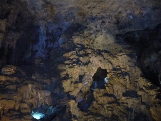 2011011512下龍灣鐘乳石洞 (41) (小型).JPG