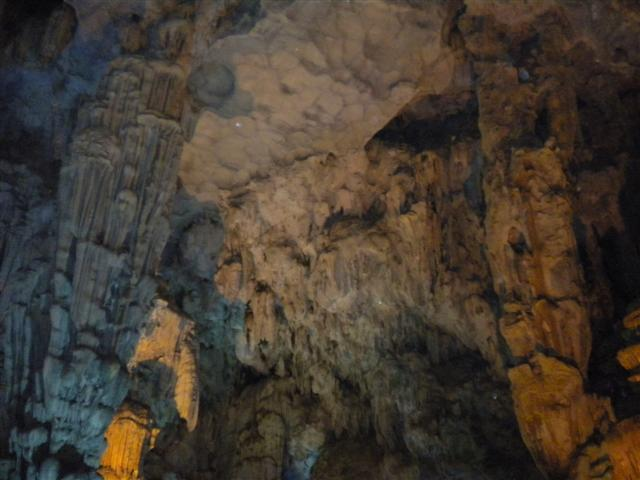 2011011512下龍灣鐘乳石洞 (43) (小型).JPG