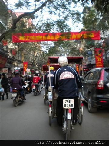 2011011614三輪車遊36古街 (12) (小型).JPG