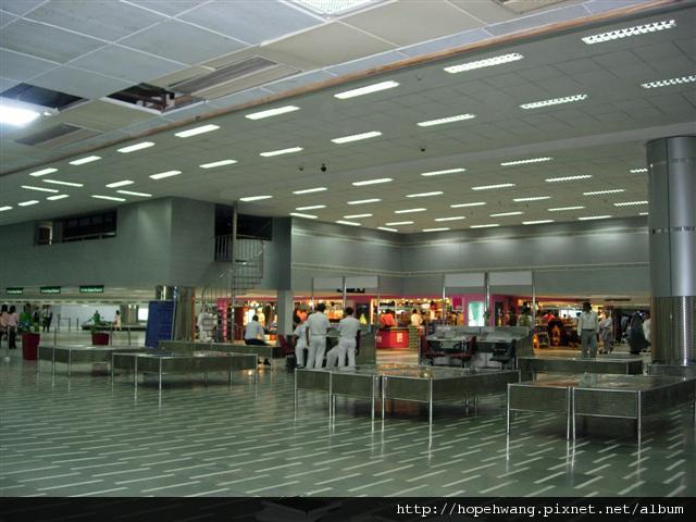 印度 010716德里機場 (小型)