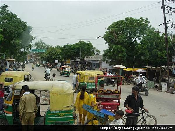 印度 861718往阿格拉街景 (小型)