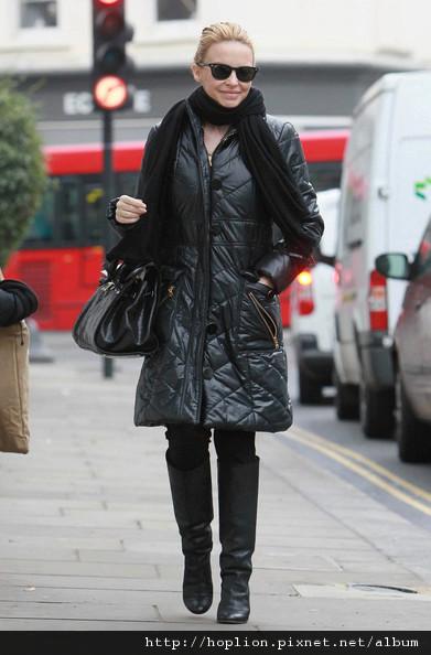 凱莉米洛的眾多羽絨外套2