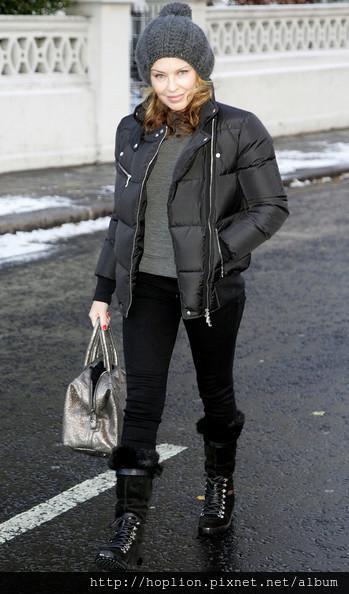 凱莉米洛的眾多羽絨外套5