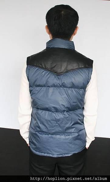 男背心(001#) 深藍色,M~3XL,售價2980元 -2