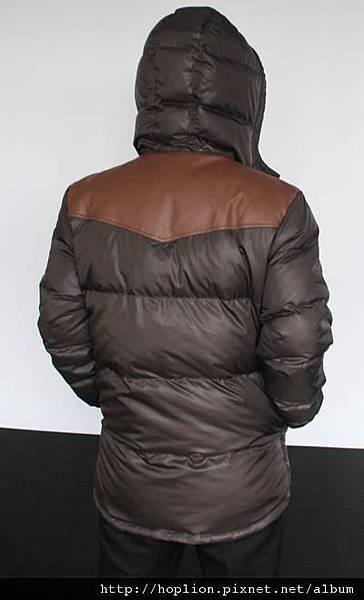 #003 男款雙面穿羽絨外套 售價4580元 尺寸:M~3XL。顏色選擇:深咖+淺咖,帽子可拆 -3