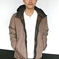 #003 男款雙面穿羽絨外套 售價4580元 尺寸:M~3XL。顏色選擇:深咖+淺咖,帽子可拆 -5