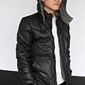 #003 男款雙面穿羽絨外套 售價4580元 尺寸:M~3XL。顏色選擇:黑+灰,帽子可拆 -2