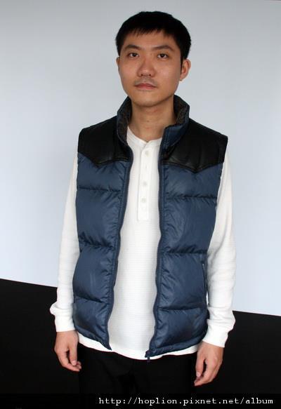 男背心(001#) 深藍色,M~3XL,售價2980元 -1
