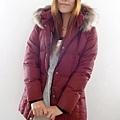 #03017女裝中長版羽絨外套,紅 售價3980元 5