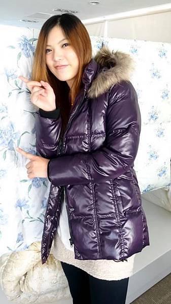 #03017女裝中長版羽絨外套,紫 售價3980元 2