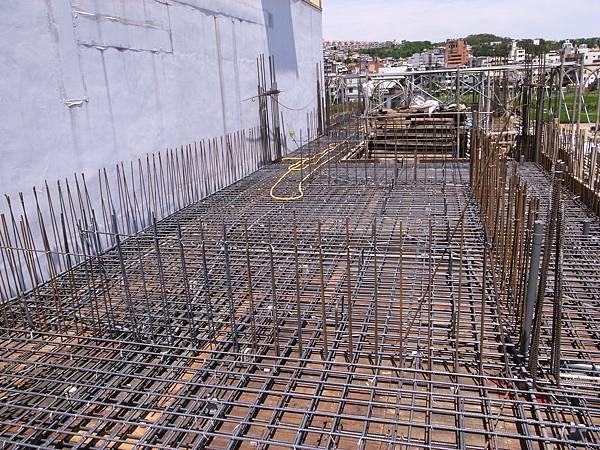 0605二樓頂鋼筋水電完成13.JPG