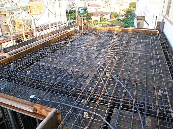 0805三樓地板鋼筋完成01.jpg