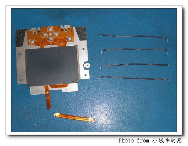 DIY 筆電觸控板線材斷裂修復 (失敗) @ 餅皮工人_小鐵牛在 PIXNET 的 ...