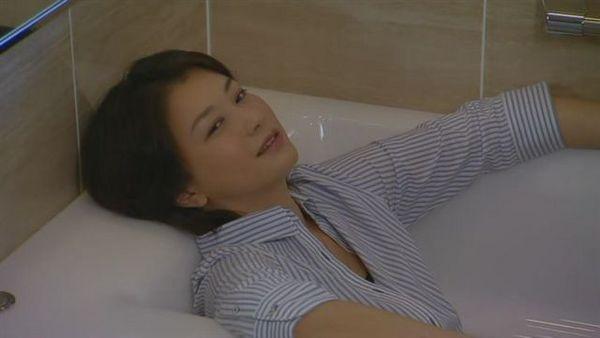 好舒爽的浴缸啊