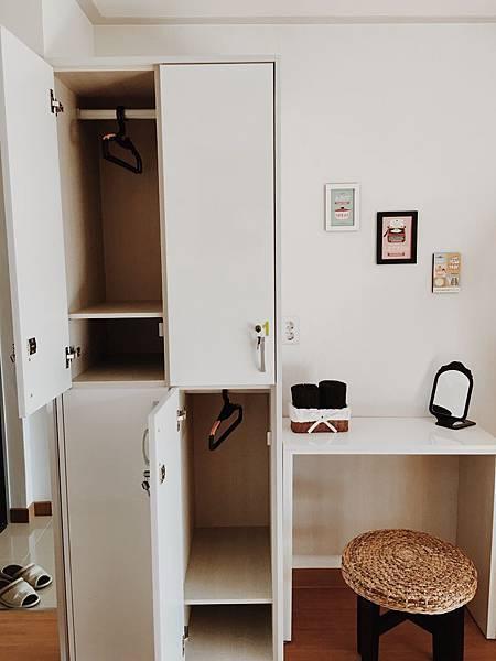 四人共用宿舍房個人櫃