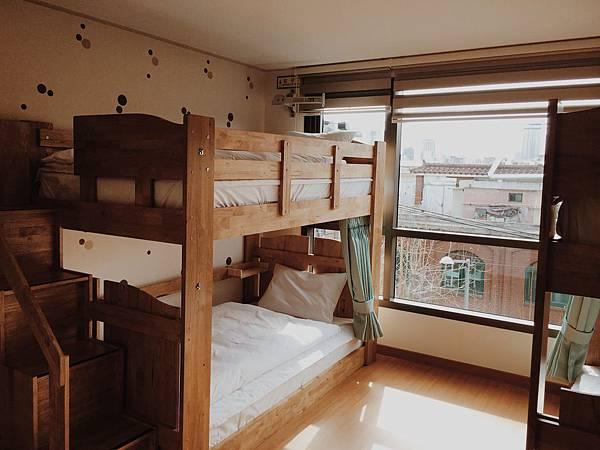 四人共用宿舍房
