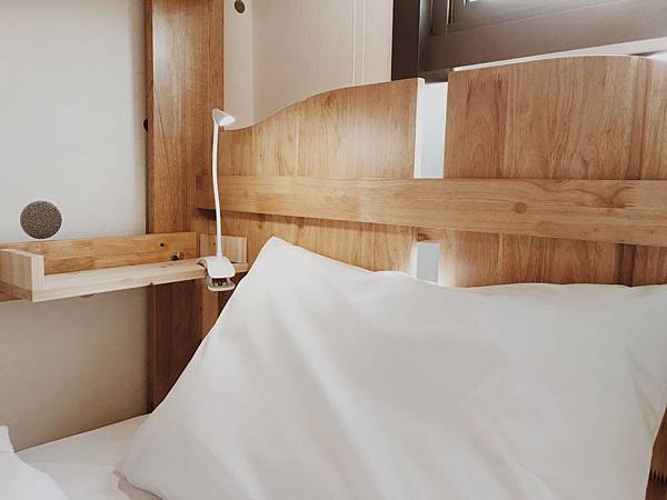 四人房(凡上下舖床均提供LED夾燈)
