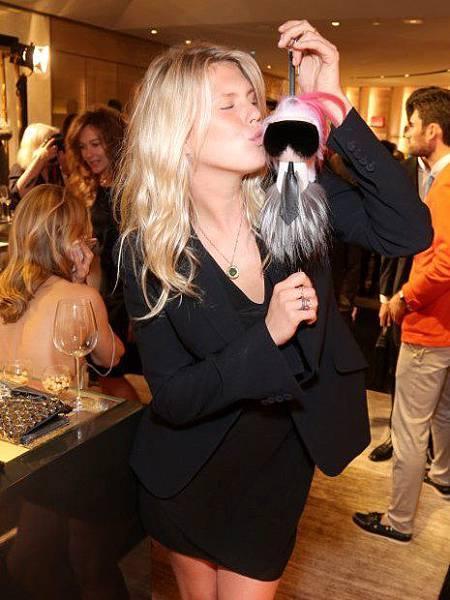 alexandra-richards-fendi-karlito-cocktail-paris-8-july-2014-3-small