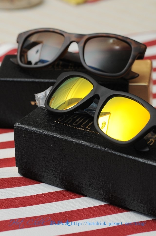 glasses01.jpg