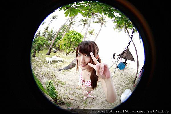 supergirls01_08_02.jpg
