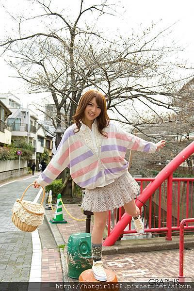 gra_shiori-k002.jpg