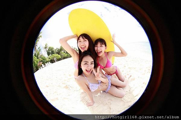 supergirls01_13_01.jpg