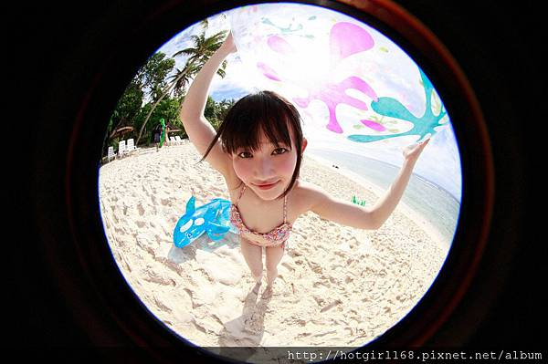 supergirls01_10_02.jpg
