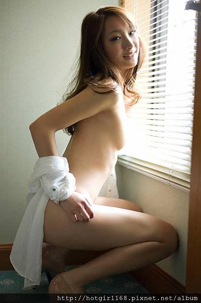 aihara_nana_ex51.jpg