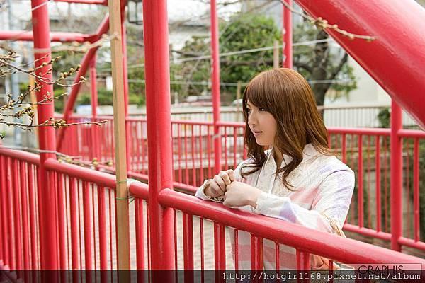 gra_shiori-k001.jpg