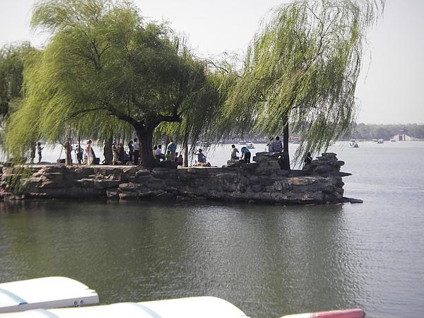 99.09.12.頤和園內 昆明湖2.JPG