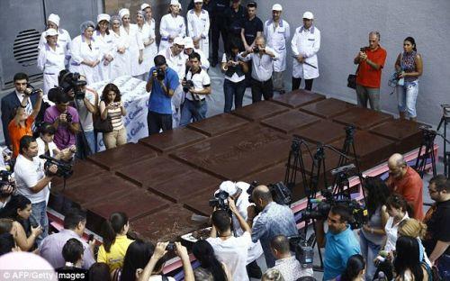 biggest-chocolate-bar-1.jpg