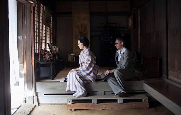 【藤田嗣治與乳白色的裸女】劇照(4).jpg