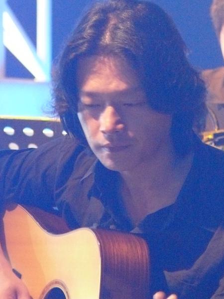 很有魅力的吉他老師