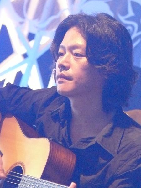 彈吉他時很有fu