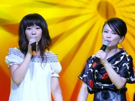 佳霓與依芹合唱-1.JPG