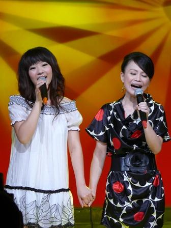佳霓與依芹合唱-5.JPG