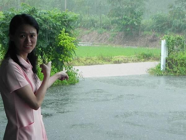 BC175  2012-8-24 天秤颱風 正登陸中001