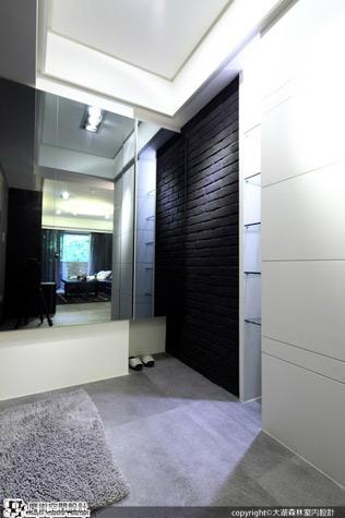 [魔術空間設計]室內設計作品-大湖森林室內裝修設計工程有限公司-柯竹書&楊愛蓮-環抱森綠視野 黑色個性住宅竟能如此自在、紓壓