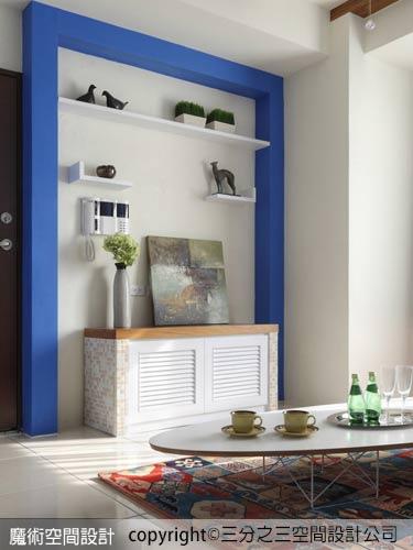 05客廳電視櫃以木作貼皮加上歐風設計居家常用的馬賽克來呈現,更添溫馨。