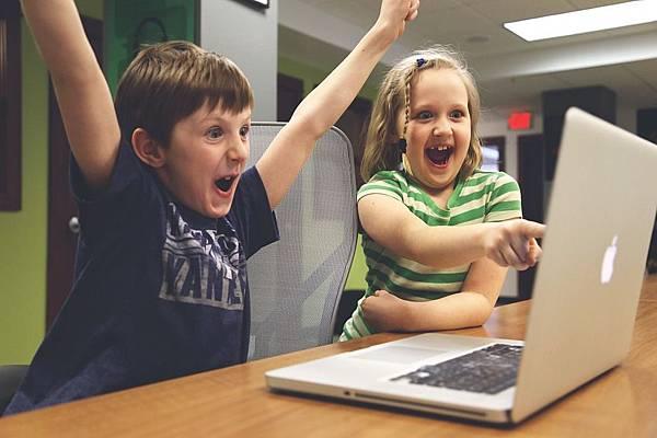 『网路赚钱方法0成本』【欢享网】免费教学靠着发文网站赚钱