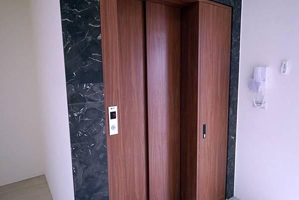 新光大地坪電梯美墅 2680萬_8032.jpg