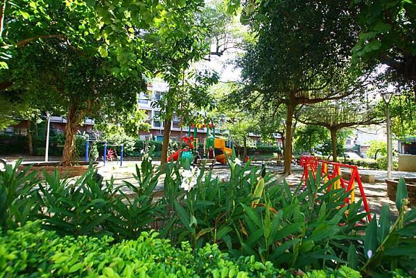 太平區公園旁前院車庫別墅798_21.jpg
