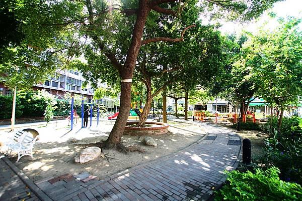 太平區公園旁前院車庫別墅798_19.jpg