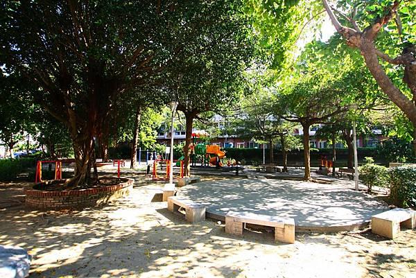 太平區公園旁前院車庫別墅798_20.jpg