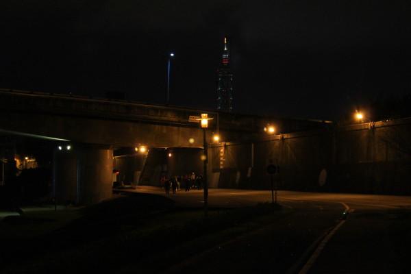 傍晚的台北101與民權大橋
