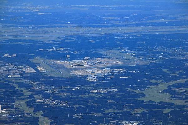 回頭看看成田空港
