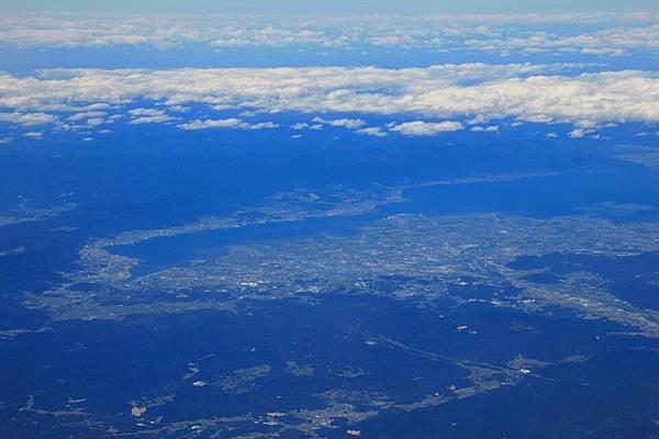 遠方的琵琶湖